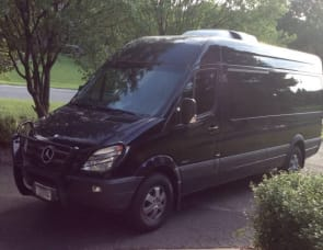 Mercedes Travel Van
