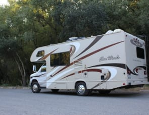 Thor Motor Coach Four Winds 23U