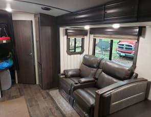 CrossRoads RV Sunset Trail Super Lite SS288BH