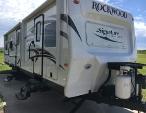Forest River RV Rockwood Signature Ultra Lite 8327SS