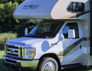 4-Star Trailers Motor Home
