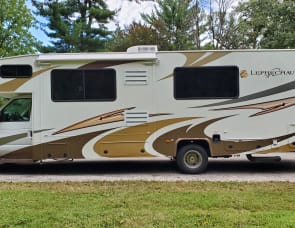 Coachmen RV Leprechaun 318DS