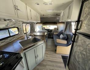 Coachmen RV Freelander 28QB Ford 450