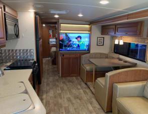 Winnebago Vista LX 35B