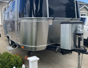 Airstream RV Flying Cloud 19CB