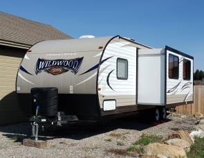 Wildwood by Forest River 263BHXL
