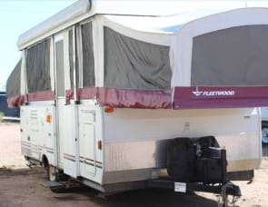 Fleetwood RV Icon 24A