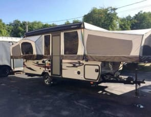 Forest River RV Rockwood Premier 2514G
