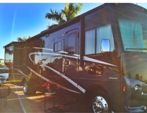 Winnebago  Sunstar LX