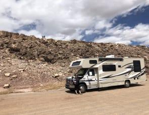 Coachmen RV Leprechaun 280DS Ford 450