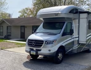 Adventurer LP (ALP) Eagle Cap Motorhome 19RK