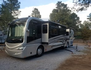 Fleetwood RV Revolution LE 40E