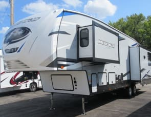 Forest River RV Cherokee Arctic Wolf 3550 Suite