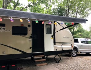 Coachmen RV Freedom Express 29SE