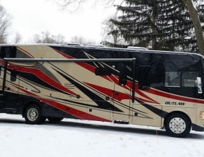 Thor Motor Coach Outlaw 37LS