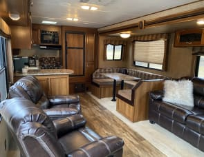 Prime Time RV Avenger 28RKS