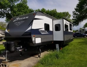 CrossRoads RV Zinger ZR290KB