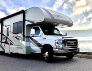 """Sugarbear Express II"" Low Miles Thor BUNKHOUSE 30FE"