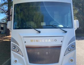 Winnebago Intent 26M