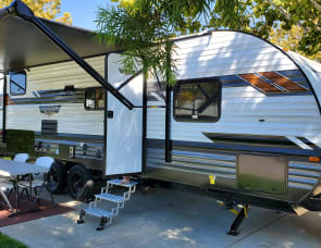 Forest River RV Wildwood X-Lite T241BHXL