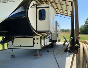 Coachmen RV Brookstone 325RL