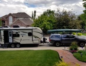 Flagstaff/Forest River Micro Lite 21FBRS