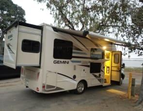 GEMINI - FREE DELIVERY TO CAMPLAND ON THE BAY • KOA CHULA VISTA • DE ANZA MISSION BAY PARK WITH A 3 NIGHTS MIN RENTAL & FULL HOOK UPS SITE