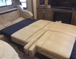 Coachmen RV Chaparral 370FL