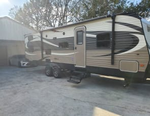 Prime Time RV Avenger 28BHS