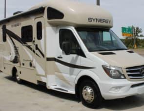 Thor Motor Coach Synergy TT24