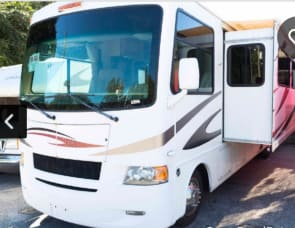 Four Winds RV Hurricane 32A