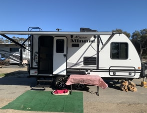 Winnebago Micro Minnie 1808FBS