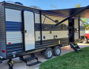 Forest River RV Grey Wolf 23DBH