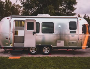 Airstream Flying Cloud 23FB