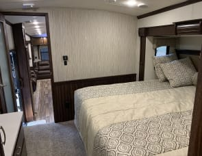 Forest River RV Cardinal 3850RL