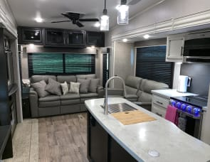 JAYCO TWO BEDROOM RV. DELIVERY/SETUP AVAILABLE