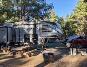 Forest River RV Cherokee Arctic Wolf 298LB