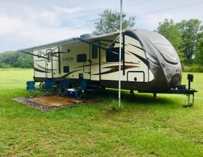 "35 ft BH Keystone Laredo WITH OUTDOOR KITCHEN (WE DELIVER) "" GINNIE SPRINGS SPECIAL"""