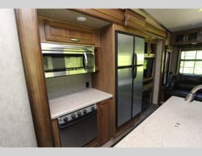 Keystone RV Montana High Country 305RL