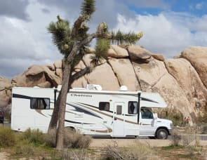 Four Winds RV Chateau 31B