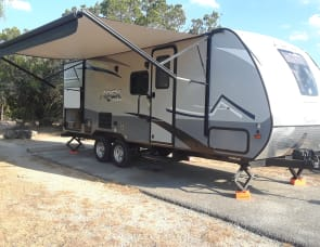 Bob's 2019 Coachmen Apex Nano 208bhs Dripping Springs / Austin