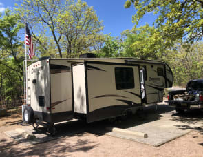 Prime Time RV Crusader LITE 27RK