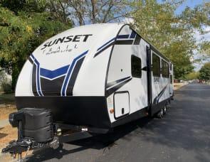 CrossRoads RV Sunset Trail Ultra Lite ST29QB