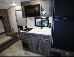 Forest River RV Wildwood FSX 178BHSKX