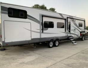 Highland Ridge RV Open Range Roamer RF374BHS