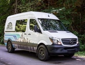 Mercedes Sprinter - White Rabbit - 5 Person Campervan