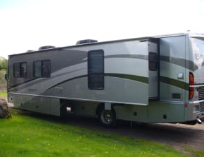 Fleetwood RV Discovery 48V