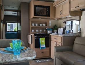 - END OF TRAVEL SEASON SPECIAL!!!!  2018 Thor Motor Coach Chateau 30D Ford