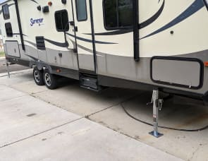 Forest River RV Surveyor 295QBLE