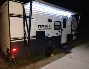 Prime Time RV Navi 17BHS